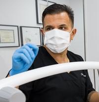 Dr. Luis Mosqueira